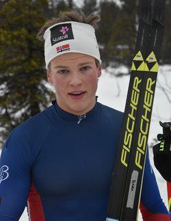 Johannes Høsflo Klæbo fra Byåsen vant juniorklassen med over ett minutt, og slo beste senior med 33 sekund