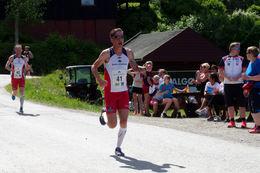 56 Lars Kristian Rodal foran Stian Oldervik