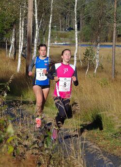 Startnr 8 Ingvild Larsen Mikaelsen, Byåsen IL (J16) og Christina Ellefsen Hopland, Varegg (K Junior).