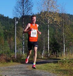 Startnr 108 Ørjan Grønnevig, Stavanger Friidrettsklubb (menn senior)