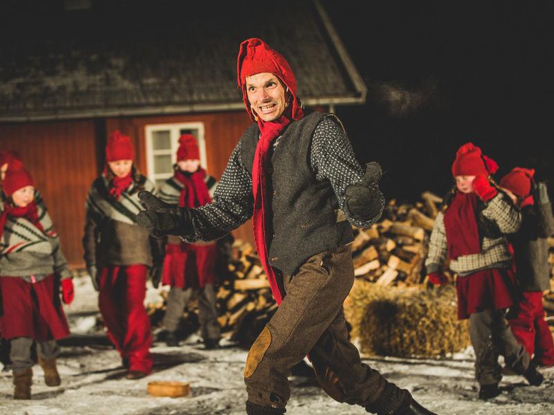 Skuespillere i Ei pølse i julestria