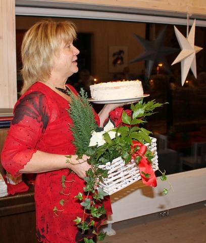 Blomster og kake.jpg
