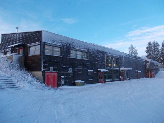 Gaupen skole i vinterlandskap