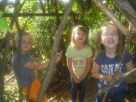 bilde av tre jenter