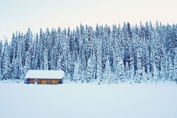 winter-cabin
