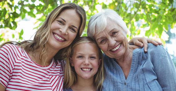 3 generasjoner kvinner
