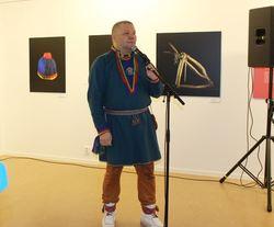 Kalle Urheim musikalsk innslag Bååstede-åpning_429x356