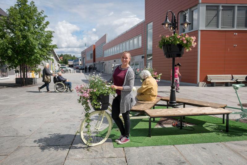 Bilde av prosjektleder med sykkel