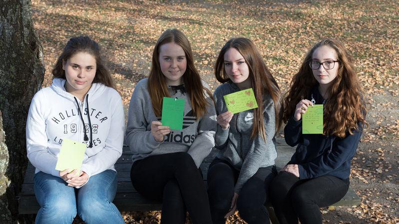 10. klassejenter på Furnes ungdomsskole.