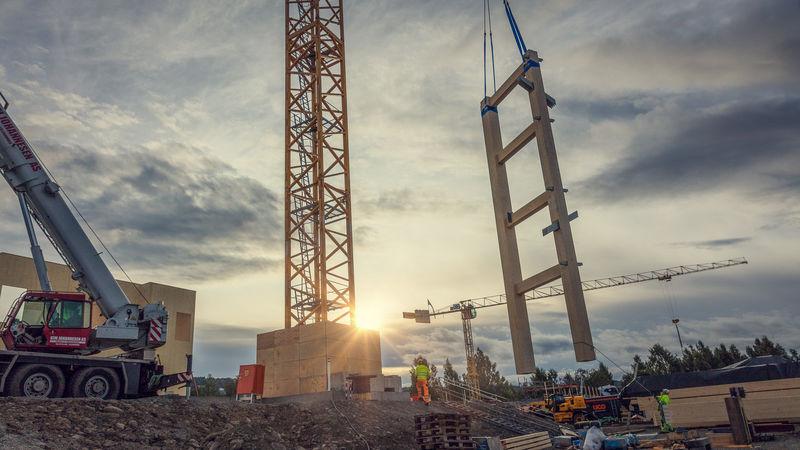 Maskiner på byggeplass
