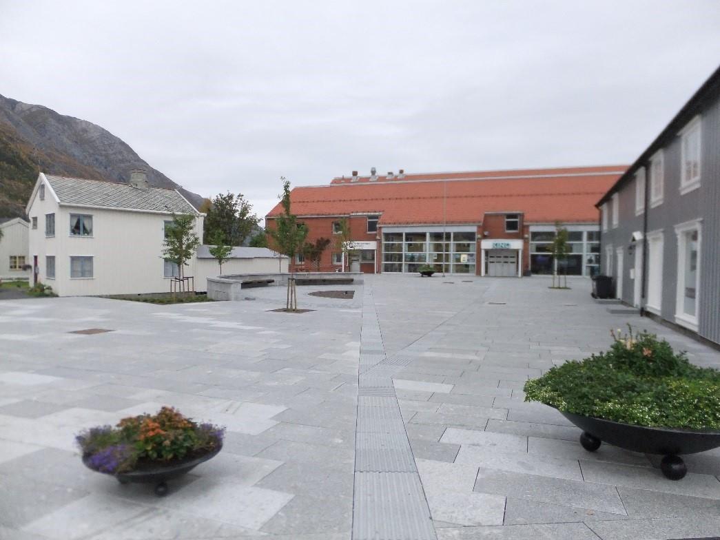 KinoplassenInngangMotKulturhuset.jpg