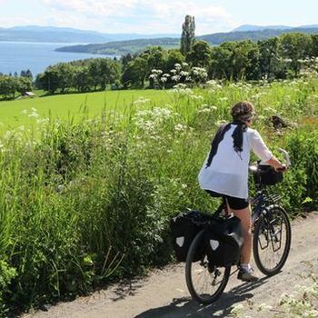 På sykkel i Ringsaker.