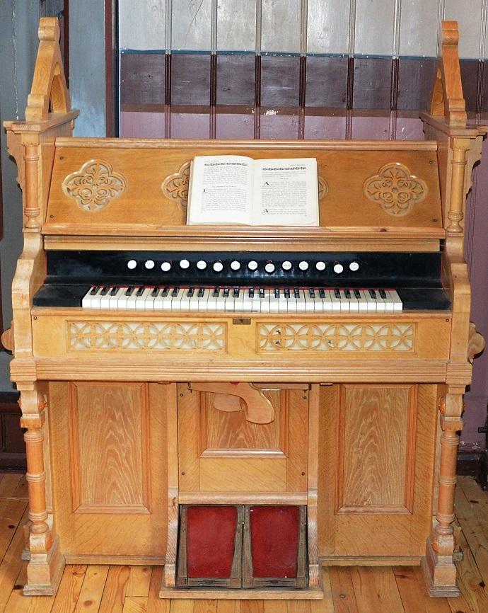 Trøorgel Rannei-orglet Åsskard foto BGB.jpg