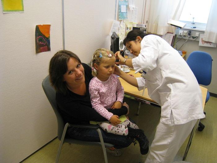 Signe Bergli var fire år gammel da hun fikk høreapparat.