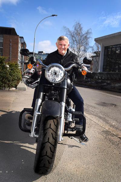 Morten Buan kjører Harley