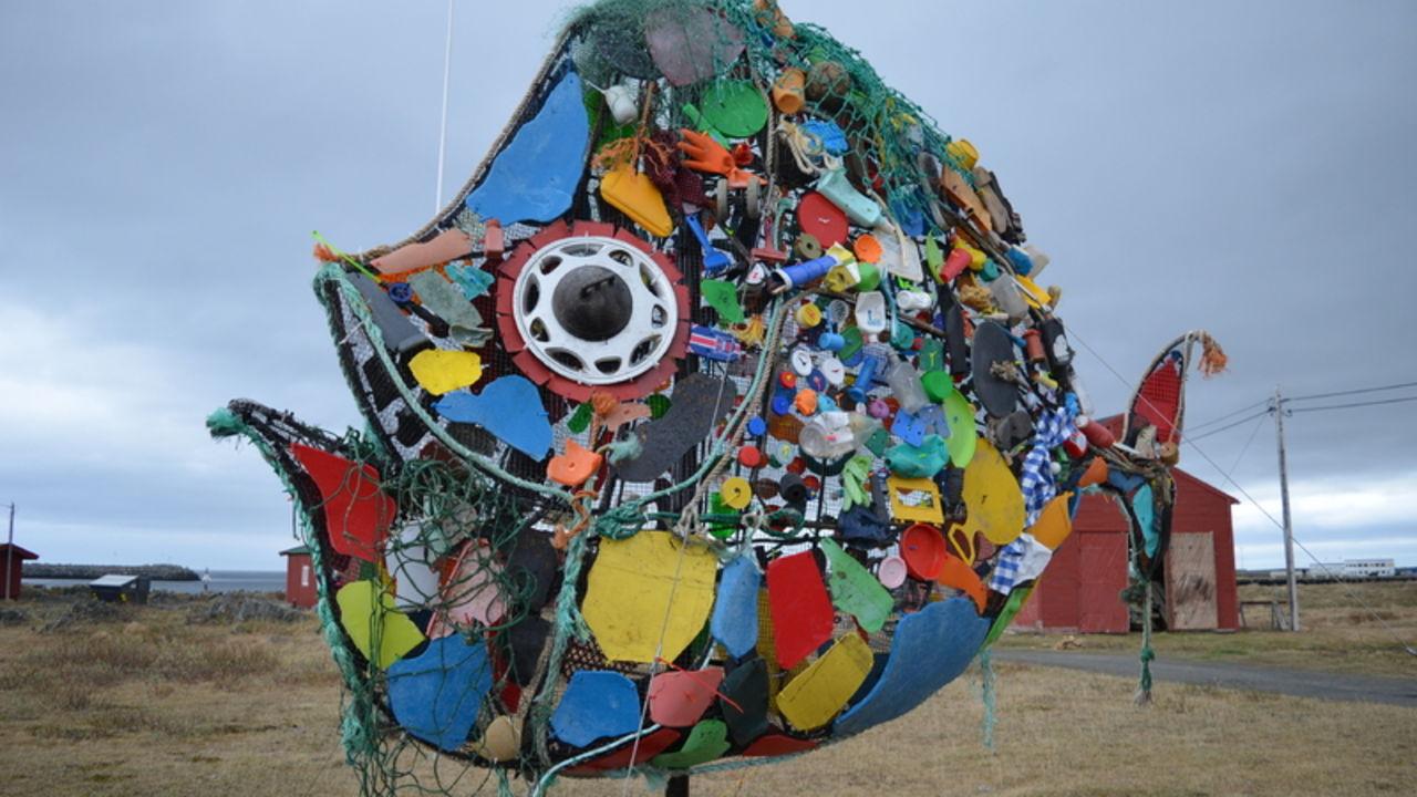 Plastkveita står utenfor berlevåg Havnemuseum_800x530