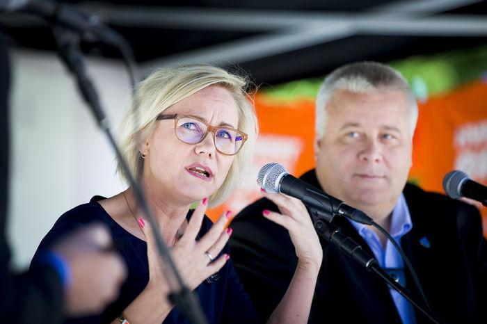 Ingvild Kjerkol og Bård Hoksrud i Stortingets Helse- og sosialkomite