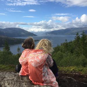 Med utsikt til Vefsnfjorden fra Hjartåsen