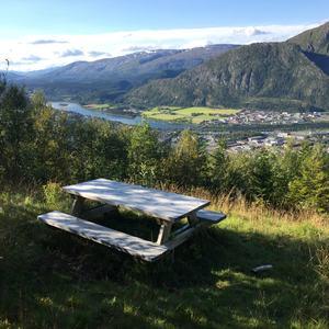 Panorama, et turmål i Vefsn kommune med utsikt over hele byen