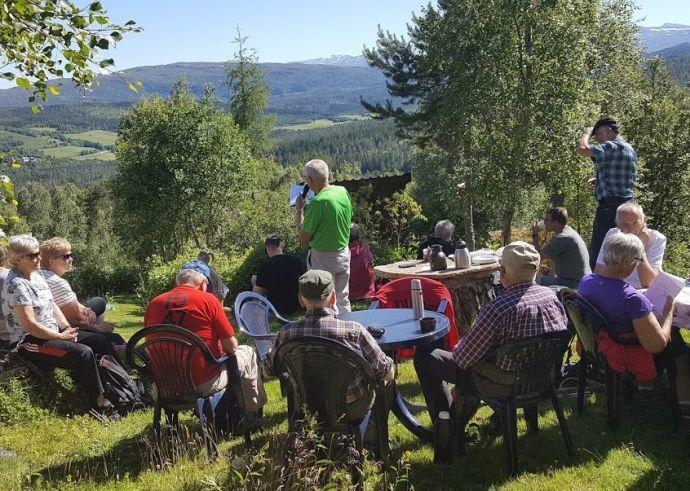 7. Ved hytta til Ragnhild og Joralf.jpg
