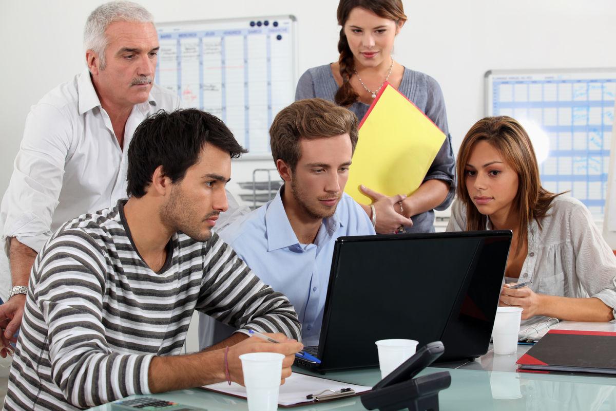 LIKHET. Et tilrettelagt og inkluderende arbeidsmiljø er avgjørende for sikre å hørselshemmede forutsigbarhet og trygghet i arbeidslivet.