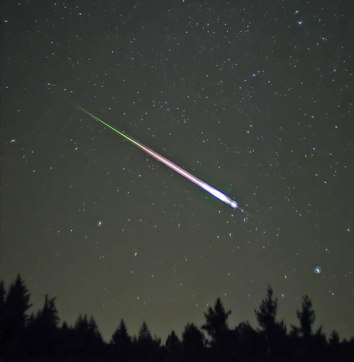 Leonid_Meteor_690x705.jpg