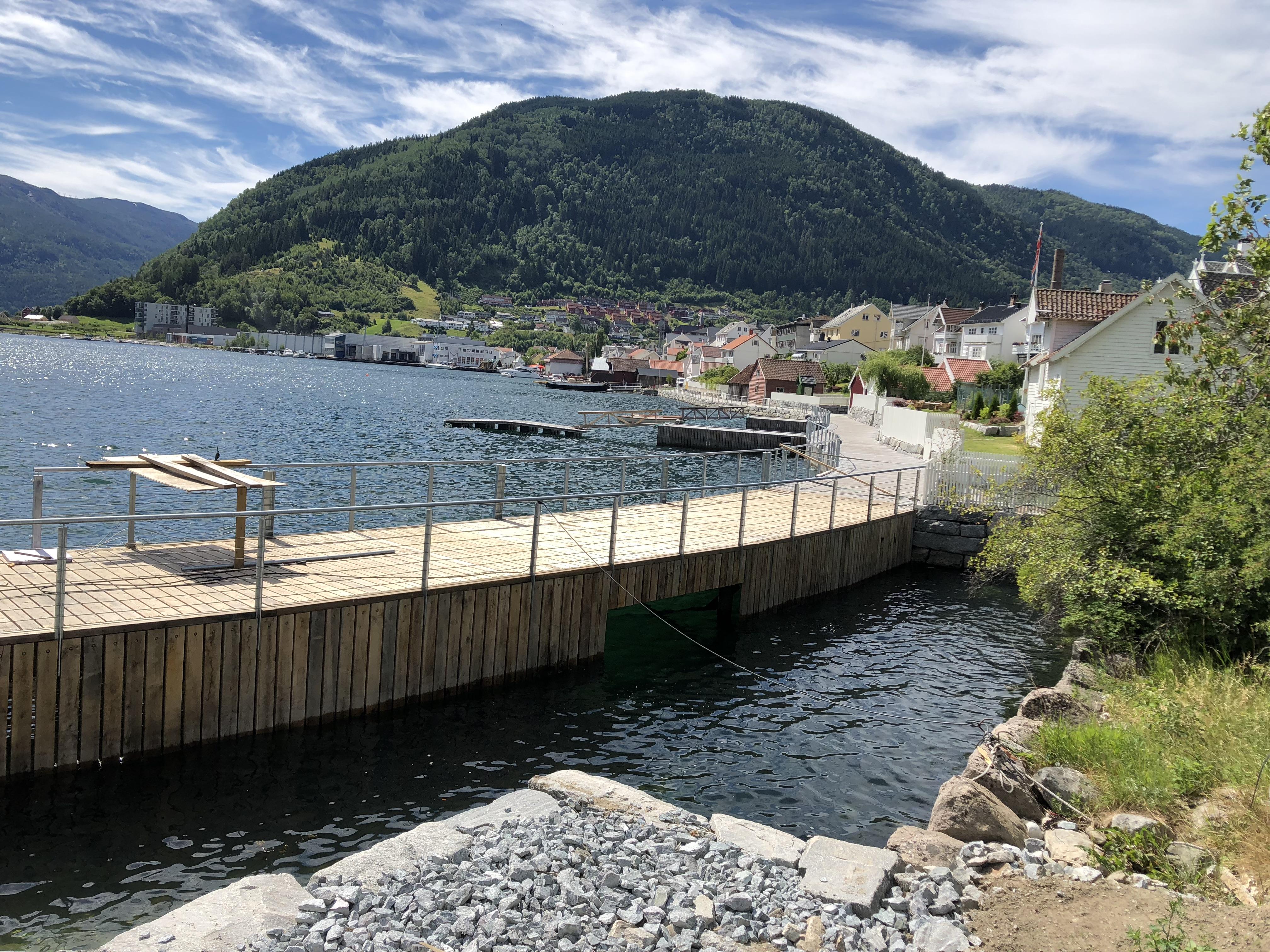 Fjordstien - utsikt mot Sjøkanten
