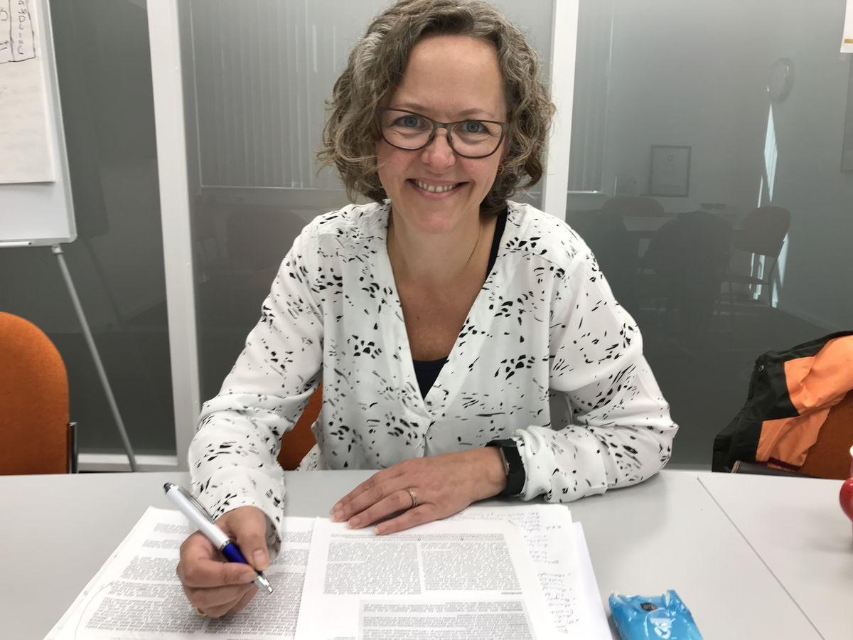 FORSKNING. Elisabeth Svinndal har forsket på yrkesaktive med hørselstap.