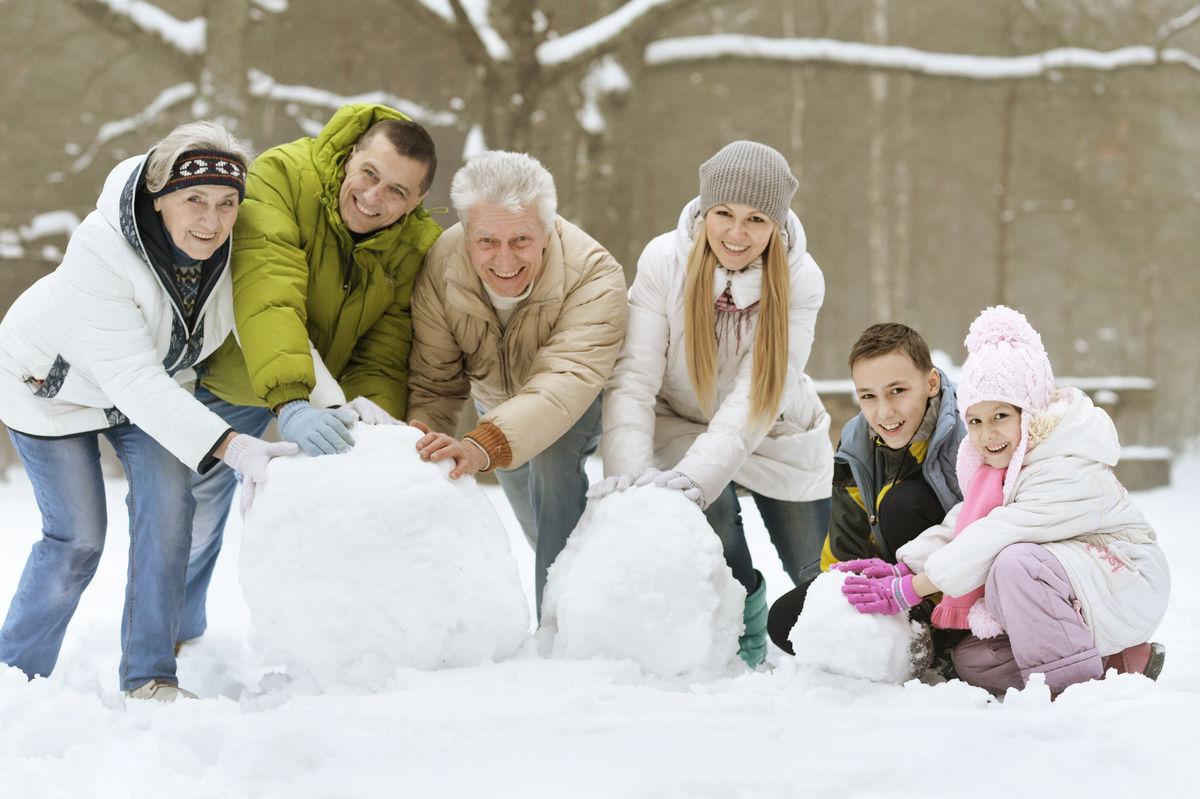 Familie reduserer noe av den dødsrisikoen som eldre hørselshemmede har.