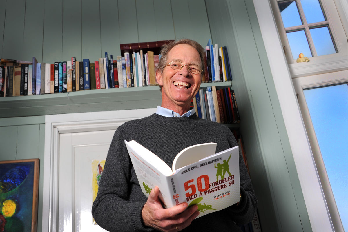 Niels Christian Geelmuyden med sin nye bok