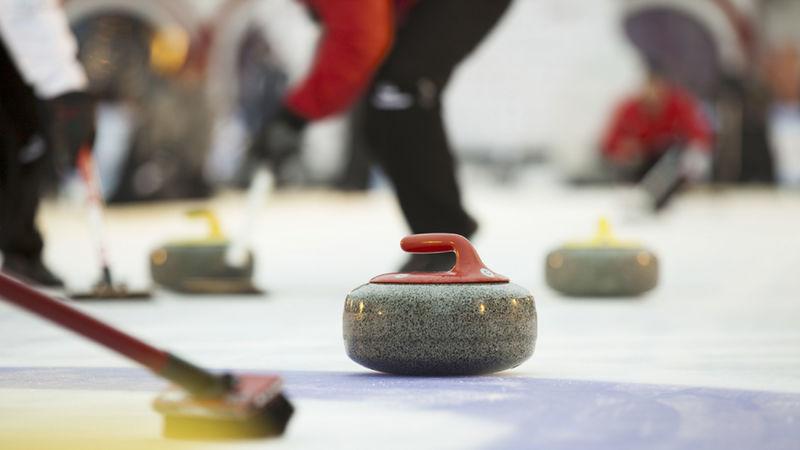 Curlingskole på toret