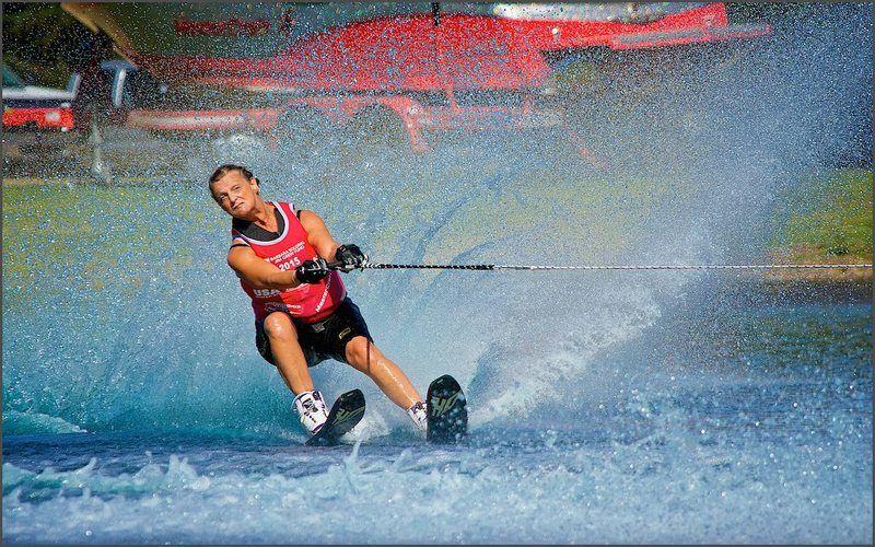 IKKE FOR PYSER. Dot Elisabeth Bergh ble frelst første gang hun sto vannski på 1980-tallet. Etter at hun gjorde comeback som 50-åring har hun vunnet en rekke internasjonale medaljer. (Foto: John Lipscomb).