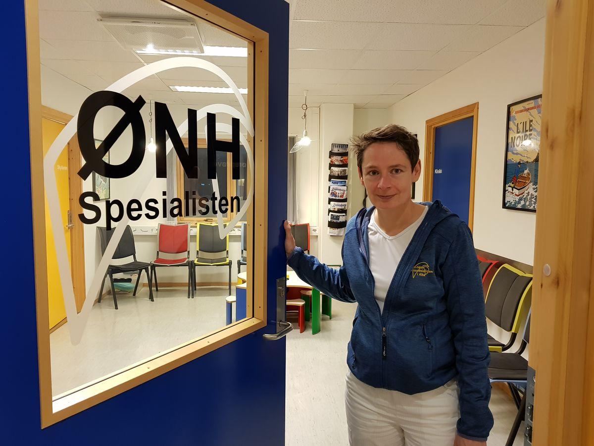 TOMT KONTOR. Annette Schmiz orker ikke mer og slutter som ønh-spesialist i Alta etter 12 år. Ingen ønsker å overta jobben. Foto. Kita Eilertsen/Altaposten