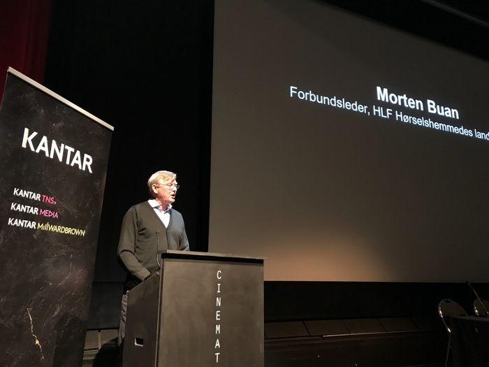 FOLKEKRAV. 84 prosent av det norske folk ønsker hørselstest av alle over 60 år. Dette folkekravet bør politikerne merke seg, sa forbundsleder Morten Buan i HLF.