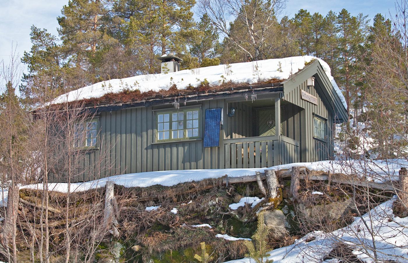 190404e-hytte.jpg