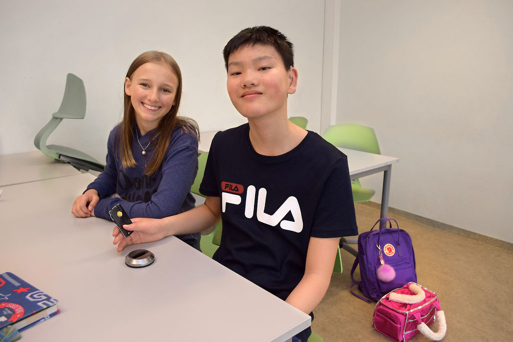 Clara Josephine Rønnevig Fjeldheim og Marcus Eisold  ved Bondi skole i Asker