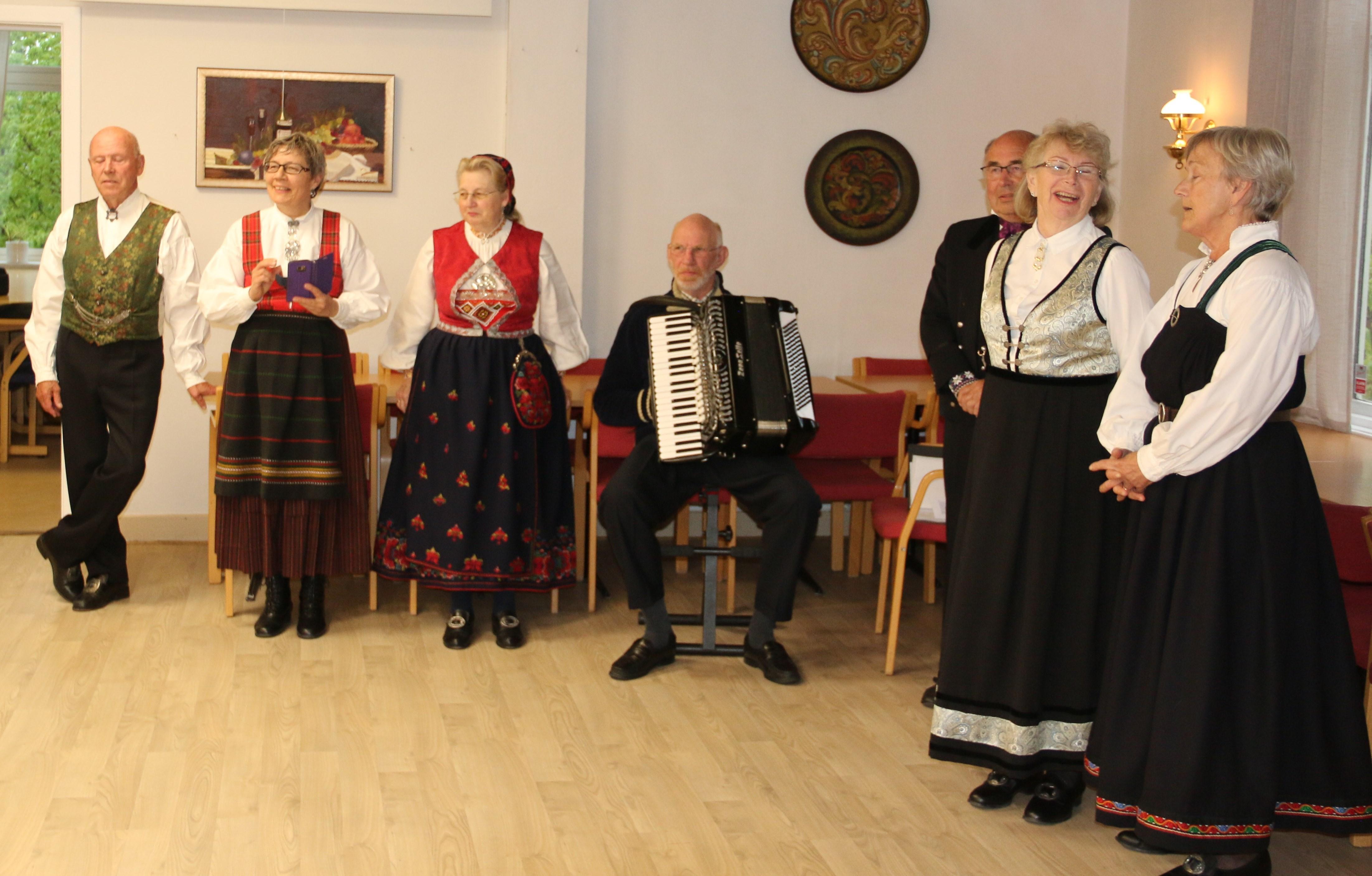 IMG_8160_Leikarringen_Noreg_Rosemalerstua_Fremsyning.JPG