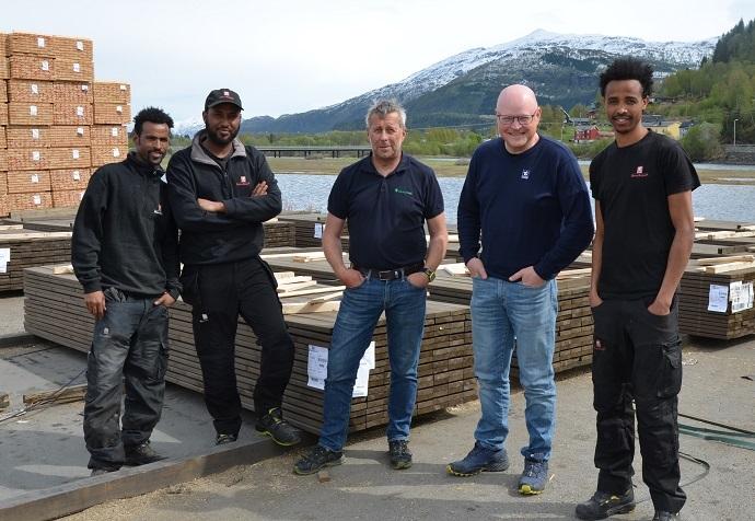 Ali, Asmerom, Ermias, Paul og Roar Møre Tre.jpg