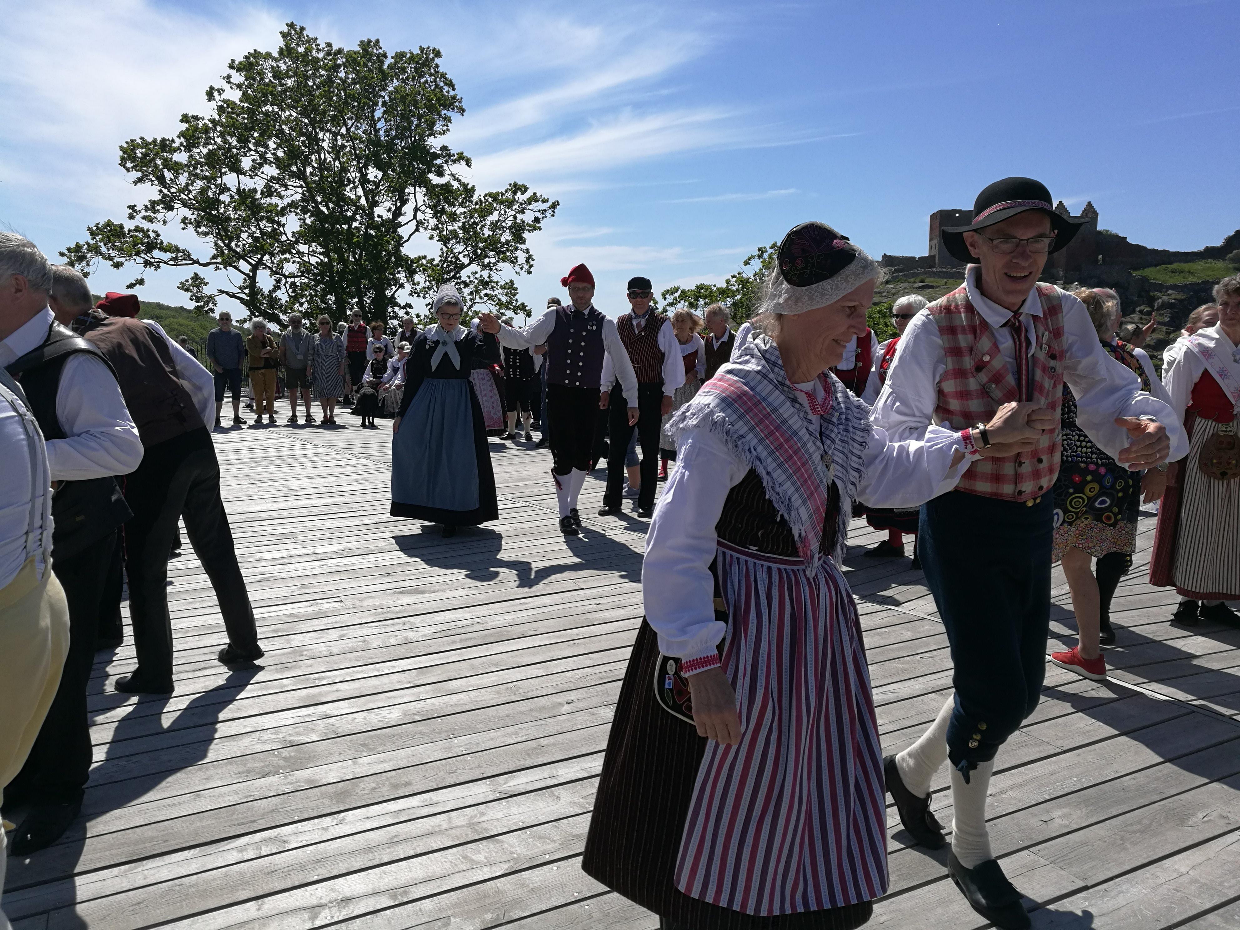 IMG_20190609_144249_Leikarringen_Noreg_Bornholm_2019_Hammershus_Festning_Fellesdans.jpg