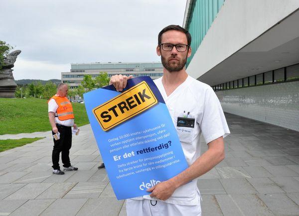 STREIKESTØTTE. Audiografforbundets leder Håvard Ottemo Paulsen støtter sine streikende audiograf-kolleger, men beklager at streiken rammer hørselshemmede. Foto. Delta