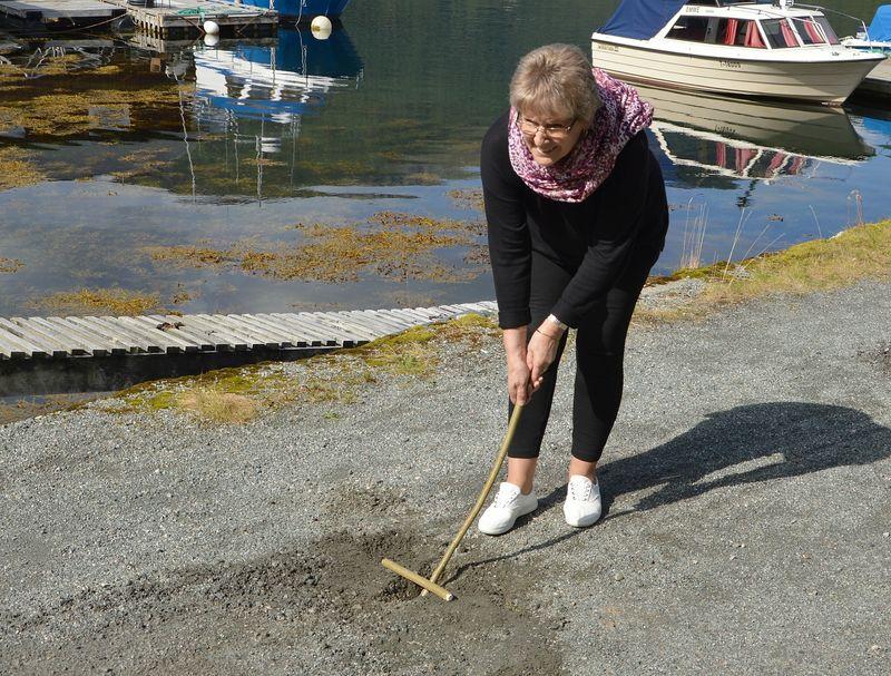 00000 LEIK e Torbjørg vippar jeppe