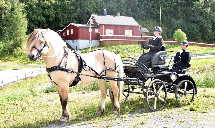 Unni Sørtømme og Severin_690x410.jpg