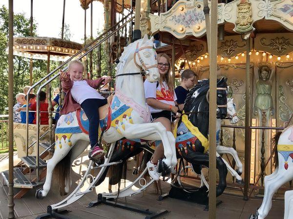 Maiken Kårstad på hesteryggen