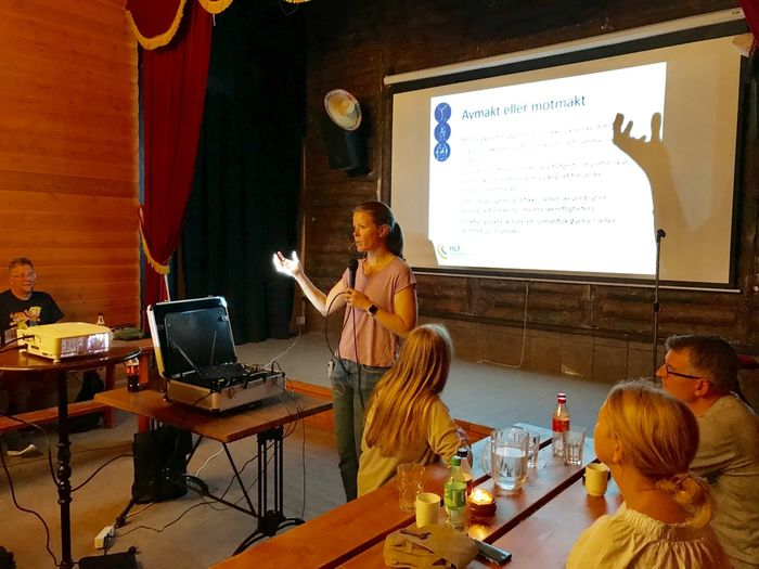 Marte Oppedal Vale holdt foredrag om rettigheter