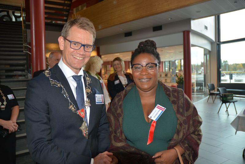 Foto av varaordfører og ny statsborger