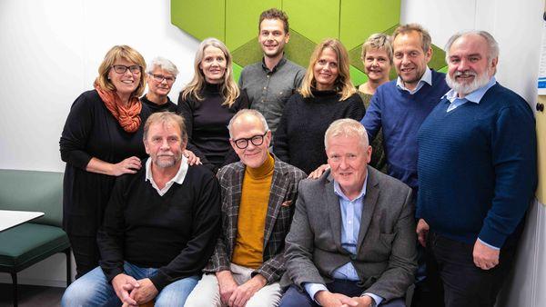 Dette er noen av mentorene i Ringsaker kommunes nye mentorordning