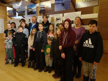 Gamvik skole var på besøk i museum for å markere 75-års jubileum for frigjøring og gjenreisning av Finnmark.