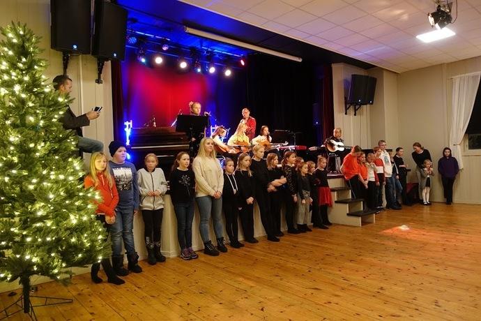 2019-12-09 Kulturskolens Julekonsert og utstilling i Torshall 205_690x460.jpg