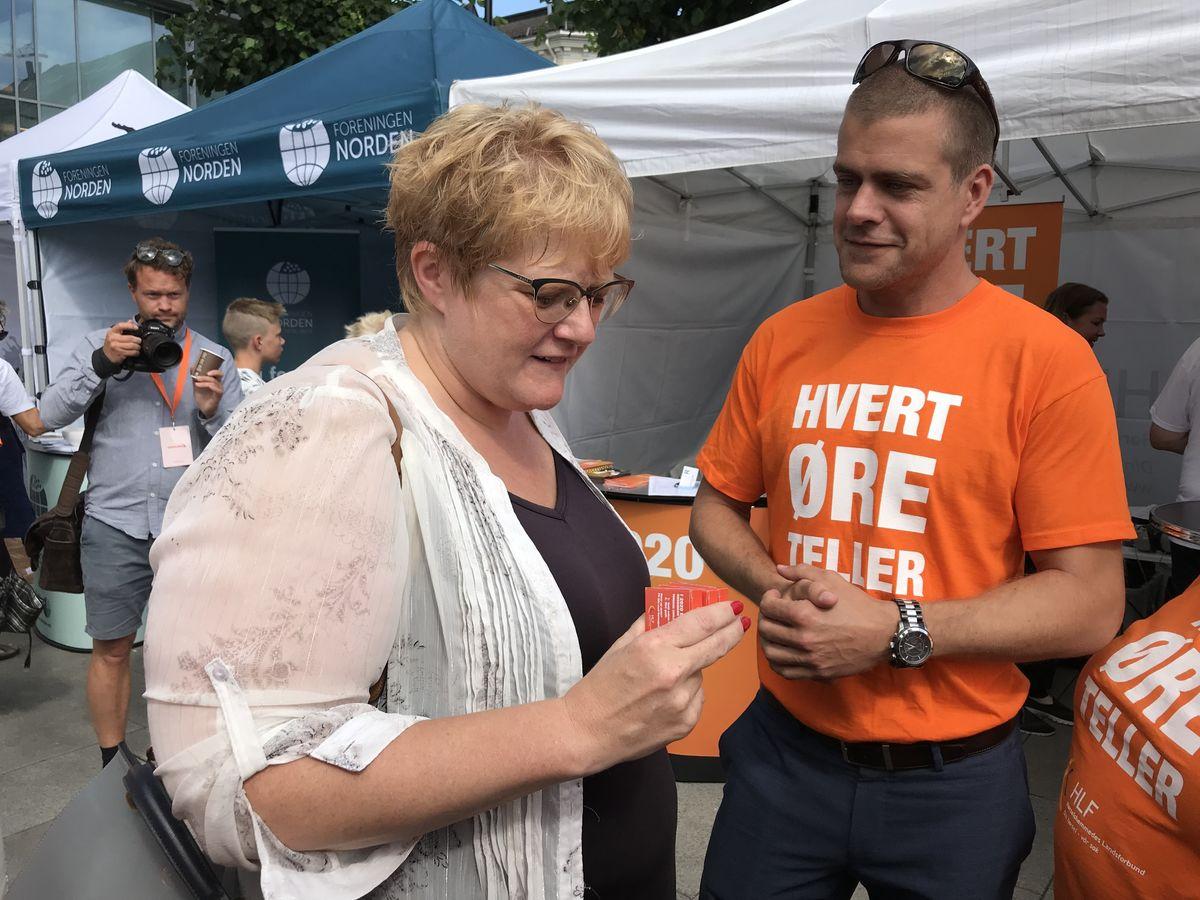 LANG VEI Å GÅ. HLFs generalsekretær Henrik Peersen mener kultur- og likestillingsminister Trine Skrei Grande går for sakte frem i arbeidet med mer direkteteksting på TV.