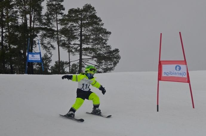 Eskil Sollid Polden i full fart på vei mot mål.JPG